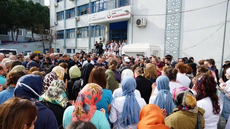 Kalp Krizi Geçiren Hastane Personeli İçin Tören Düzenlendi 11