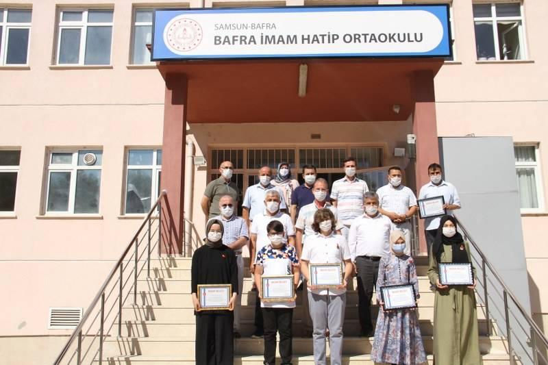 Eğitim Gönüllülerinden Öğrencilere Hediye 25