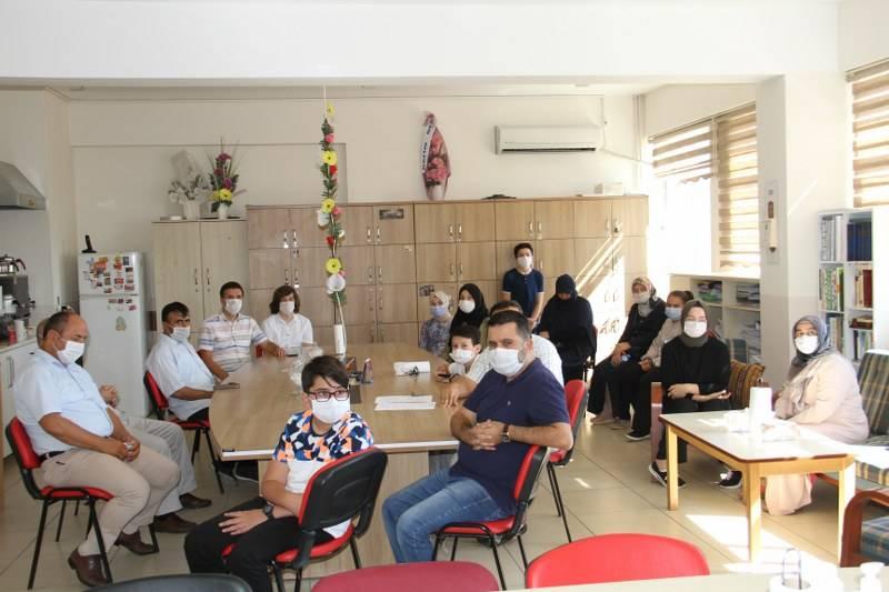 Eğitim Gönüllülerinden Öğrencilere Hediye 6