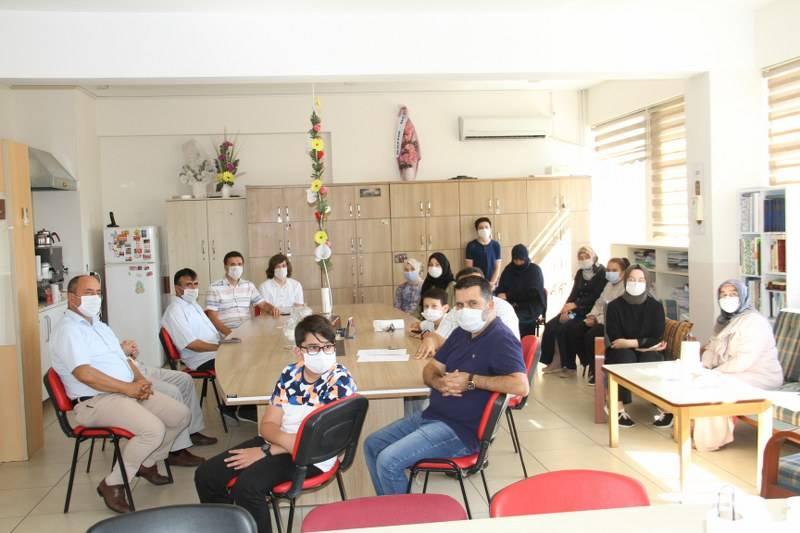 Eğitim Gönüllülerinden Öğrencilere Hediye 7