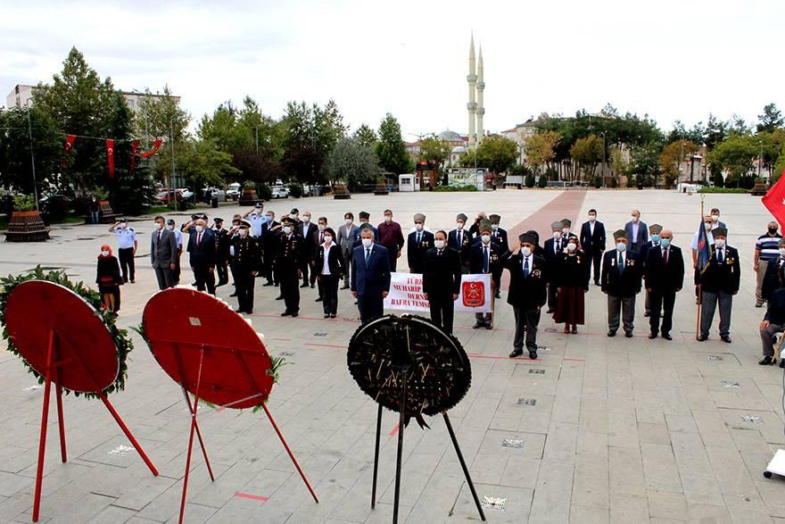 """Bafra'da """"19 Eylül Gaziler Günü"""" düzenlenen törenle kutla 11"""