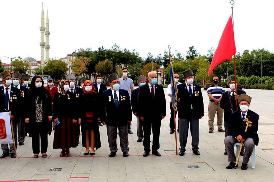"""Bafra'da """"19 Eylül Gaziler Günü"""" düzenlenen törenle kutla 18"""