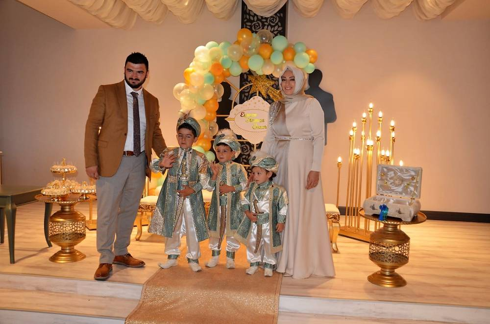 Yusuf Eymen, Hamza Asaf, Ömer İslam Öcal'a muhteşem sünnet merasimi 1