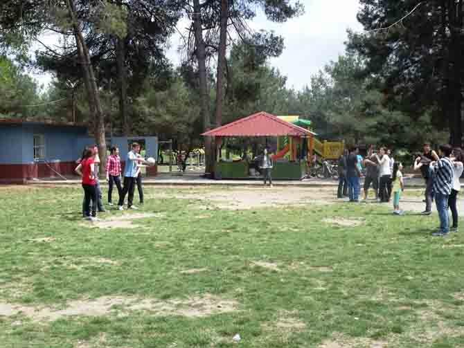 FEN LİSESİ ÖĞRENCİLERİ STRES ATTI 11