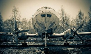 9000 uçaktan oluşan mezarlığı 14