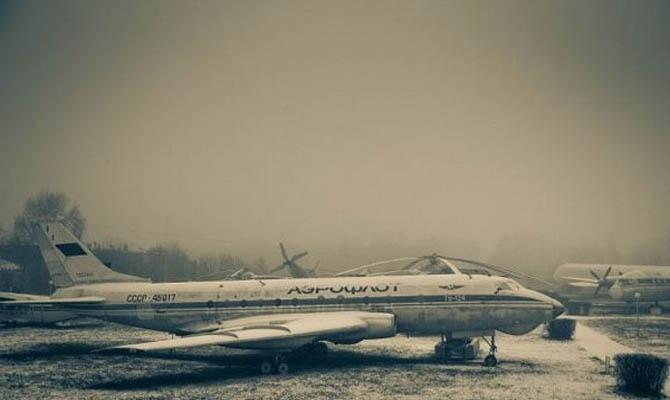 9000 uçaktan oluşan mezarlığı 16