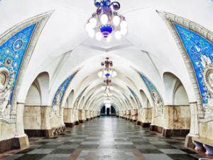Moskova metrosu harika görüntüler