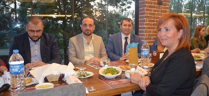 MHP BAFRA ESKİ TEŞKİLATINDAN ANLAMLI İFTAR YEMEĞİ