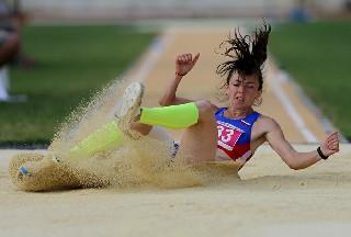Samsun'da bayanlar uzun atlama yarışları 1