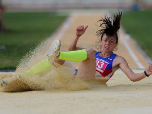 Samsun'da bayanlar uzun atlama yarışları