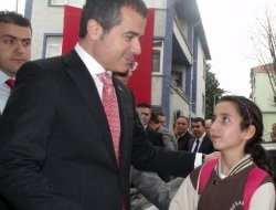 Spor Bakanı Kılıçtan 2 bin kişilk salon müjdesi