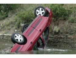 Otomobil Baraja Uçtu: 1 Ölü, 1 Yaralı