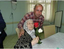 Bafra Huzurevi'nde Anneler Günü Kutlandı