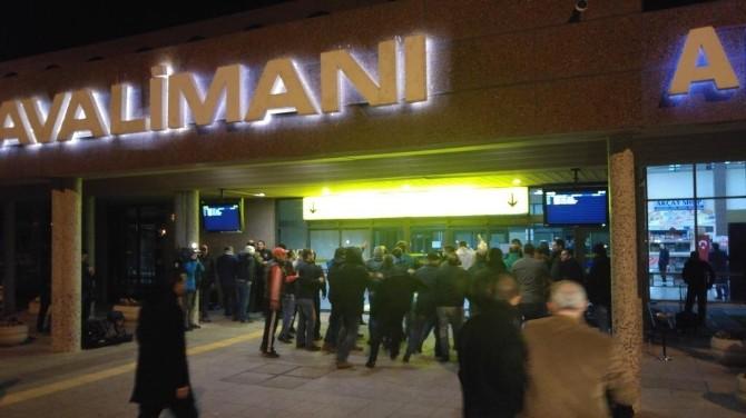 Bursaspor Konya Dönüşü Tepkilerle Karşılandı...