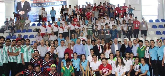 Kriket Türkiye Büyükler Salon Şampiyonası Alaçam'da başladı