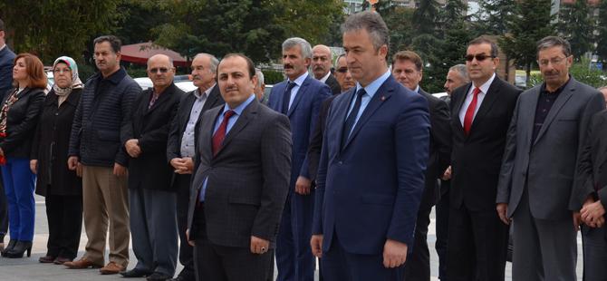 29 Ekim Cumhuriyet Bayramı çelenk sunma töreni düzenlendi