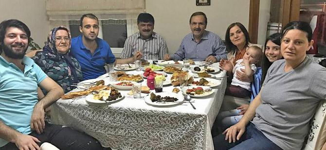 Başkan Şahin Babalar gününde şehit evinde iftar yaptı