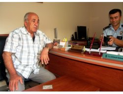 Bafra'da Para Dolu Cüzdanı Polise Teslim Etti