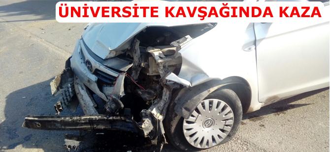 Üniversite kavşağında kaza