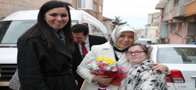 Çiğdem Karaaslan, Samsun'da ziyaretlerde bulundu