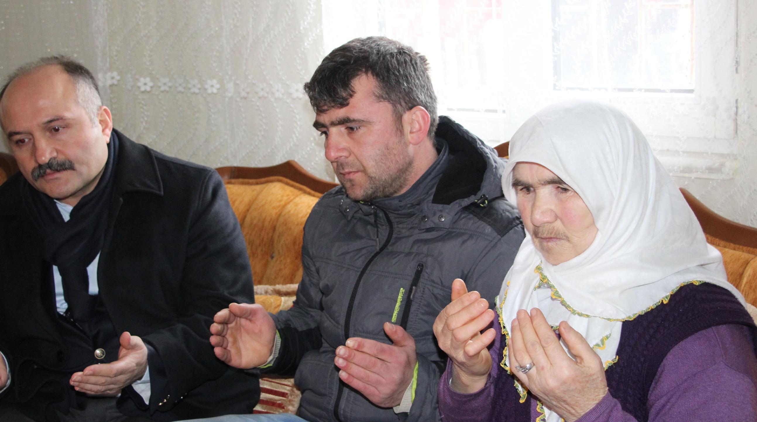 Erhan Ustadan Şehit Ailesine Ziyaret