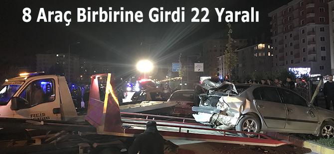 8 Araç Birbirine Girdi 22 Yaralı