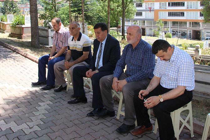 Havza Belediye Başkanı İkiz Şehitlikleri Ziyaret Etti