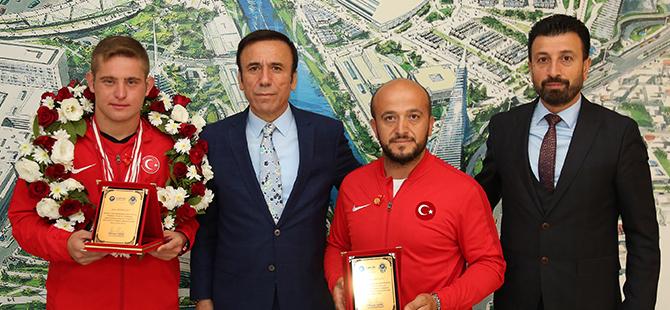 Dünya Şampiyonu Canik'te