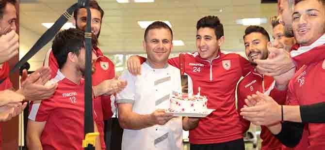 Kaptan Ercan'a Doğum Günü Sürprizi