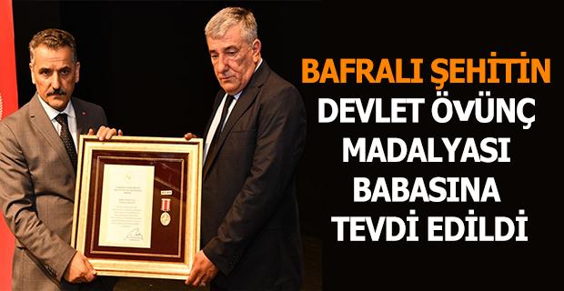 """BAFRALI ŞEHİDİN """"DEVLET ÖVÜNÇ MADALYASI"""" BABASINA TEVDİ EDİLDİ"""
