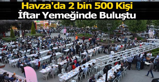 Havza'da 2 bin 500 Kişi İftar Yemeğinde Buluştu