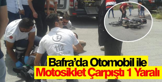 Bafra'da Otomobil ile Motosiklet Çarpıştı 1 Yaralı