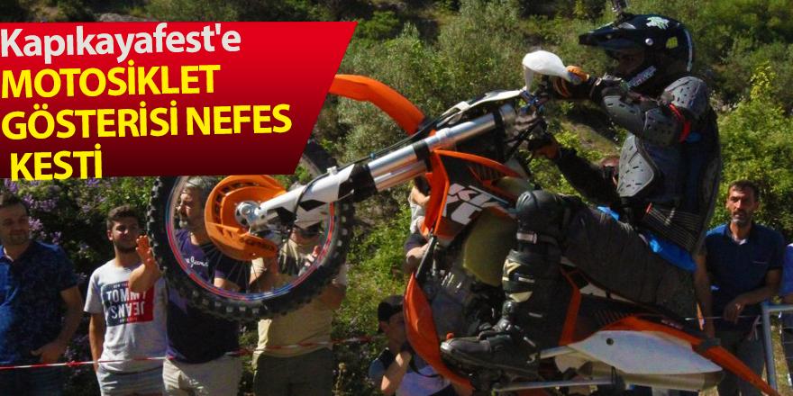 Kapıkaya Doğa sporları festivalinde motosiklet gösterileri nefes kesti