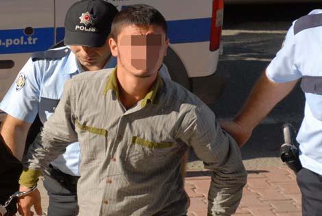POLİSİ GÖRÜNCE KAÇAN GENÇ SİLAHLA YAKALANDI