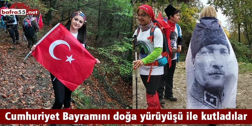 Cumhuriyet Bayramını doğa yürüyüşü ile kutladılar