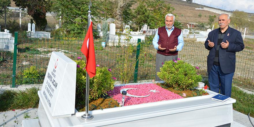 Havza Belediyesinden Şehit Mezarlarına Çevre Düzenlemesi