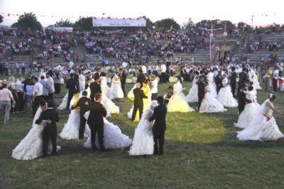 Baba ve Kız Aynı Düğünde Evlendi