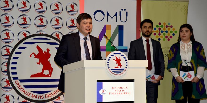 Özbek Öğrencileri Ülkelerini Tanıttı