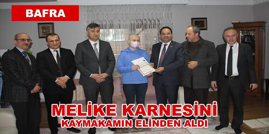 Kanser Hastası Melike'ye Karnesi Evinde Verildi