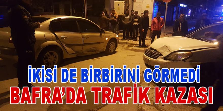 Bafra'da Trafik Kazası: 2 Yaralı
