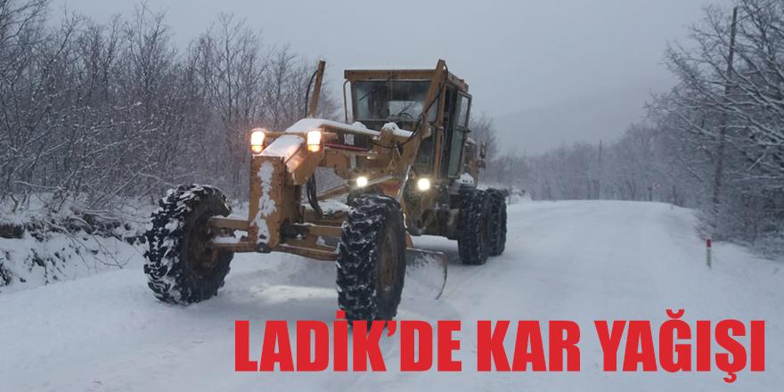 Ladik'de kar Temizleme Çalışmaları Aralıksız Devam Ediyor