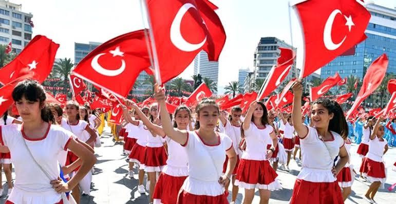 Milli Eğitim Bakanı Selçuk'tan 23 Nisan açıklaması