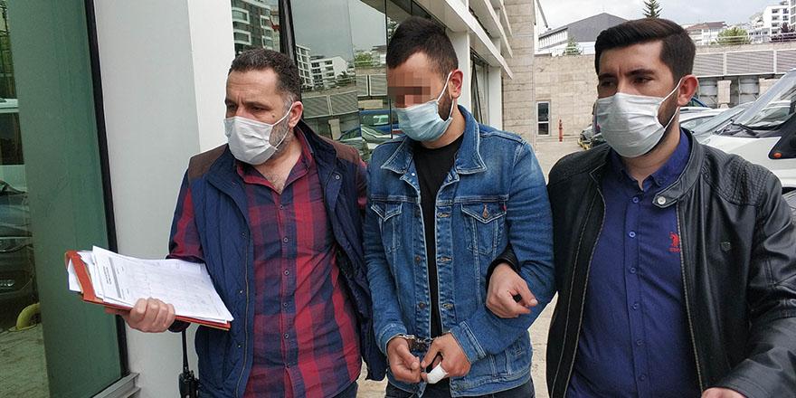 Samsun'da Bıçaklı Saldırıda 1 Kişi Yaralandı