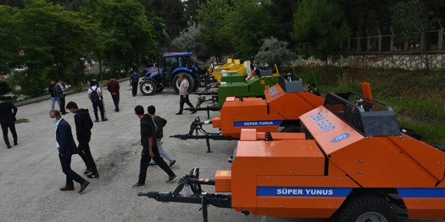 Sinop'da Çiftçilere Balyalama Makinesi