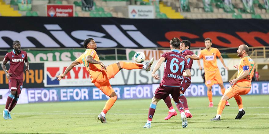 Trabzonspor Alanya'da Yara Aldı