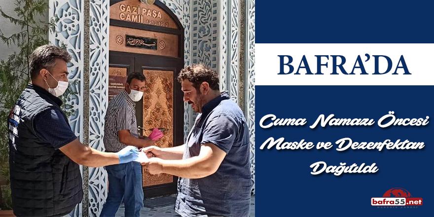 Bafra'da Cuma Namazı Öncesi Maske Ve Dezenfektan Dağıtıldı