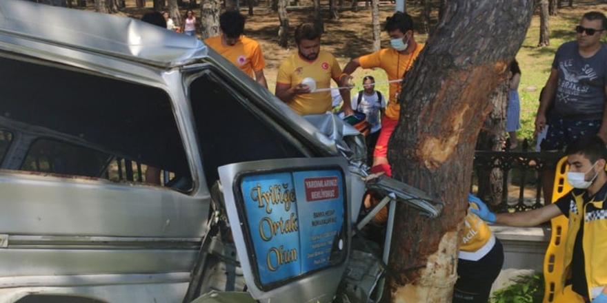 Terme'de Trafik Kazası 2 Yaralı