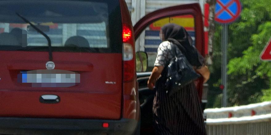 Samsun'da hayat kadınları otostop çekmeye devam ediyor