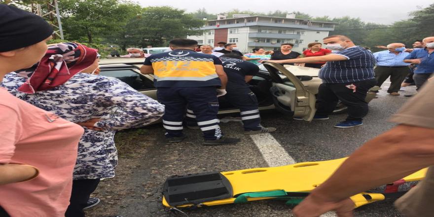 Ayancık 'da kaza 6 yaralı