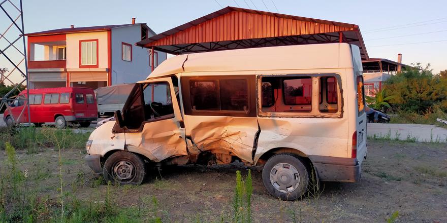 Çarşamba'da Kaza 2 Yaralı